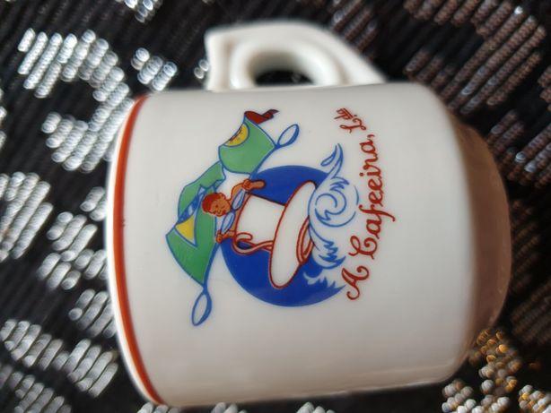 Chávena caneca de café Vista Alegre antiga A Cafeeira vintage