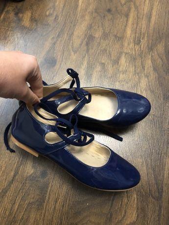 Продам лаковые туфли Zara