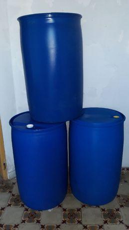 Bidons em plástico com bujão de 200 litros