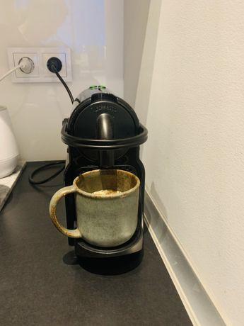 Ekspres na kapsułki nespresso Delonghi