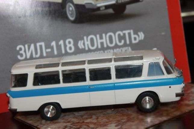 DeAgostini Автолегенды СССР 1:43 ЗИЛ РАФ ЕРАЗ-762Б + журнал