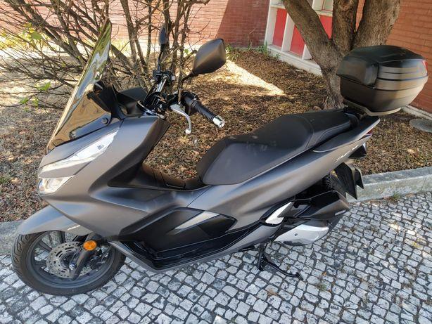 Honda PCX 125 como nova