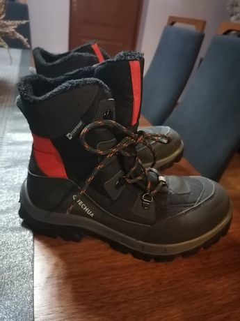 Buty zimowe firmy quechua rozmiar 38