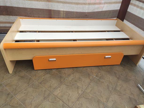 Łóżko dziecięce z szufladą