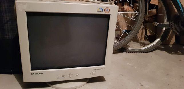 Monitor SyncMaster 765, 17''