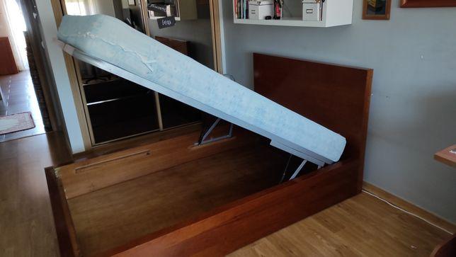 Cama solteira c/ estrado elevatorio e mesa de cabeceira