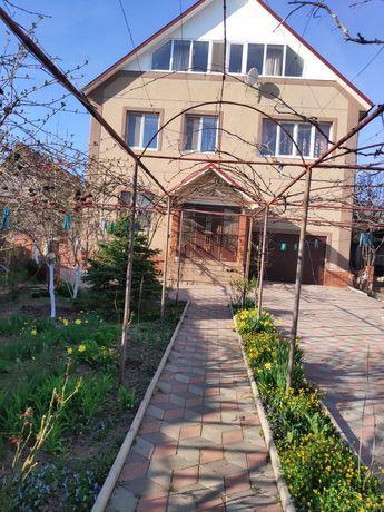 Дом 2-х этажный Восточный р-н Салюта. общая площадь 270 м.кв.