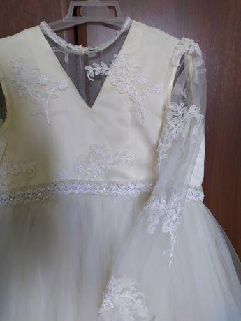 Пышное, нарядное, выпускное платье для 4 класса