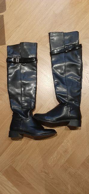 czarne kozaki za kolano Stradivarius