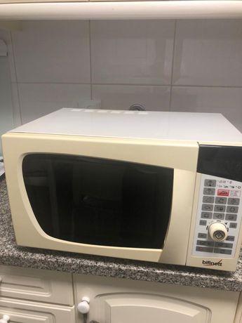 Microondas com grill digital