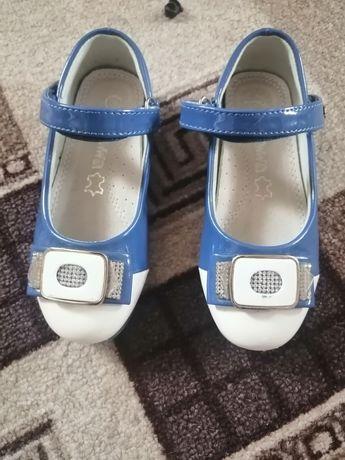 Туфли детские польские одеты 1 раз.