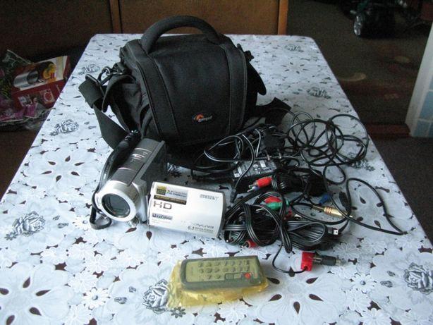 Видеокамера FullHD SONY HDR-UX7E
