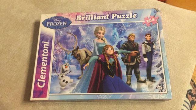 Błyszczące puzzle z Krainą lodu - 104 elementy