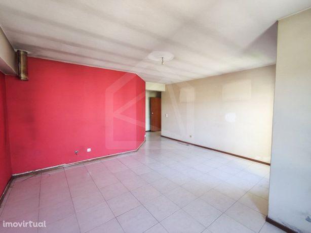 Apartamento T2 em São João da Madeira - Imóvel de Banco