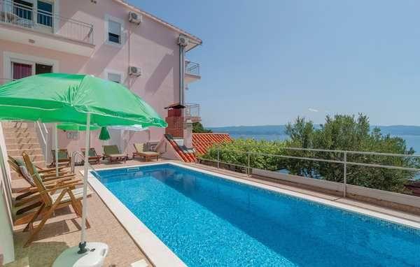 Lato 2022, Chorwacja, Omis, dom dla max. 16 osób, z basenem