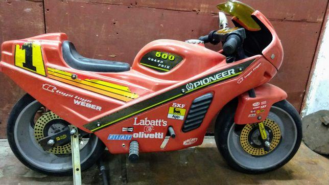 Мотоцикл дитячий електро,Італія, гумові колеса і залізна рама з вилкою