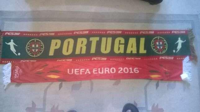 Conjunto de Cachecóis,Bandeiras e Bola de Portugal