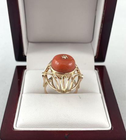 Złoty pierścionek z koralem PR.585 rozmiar 13