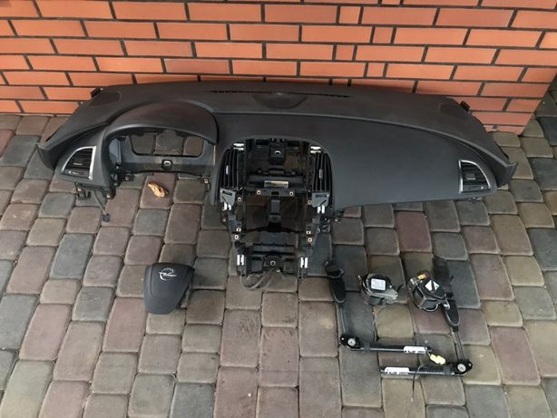Astra J / IV  Deska Rozdzielcza / Konsola / Air Bag / Pasy