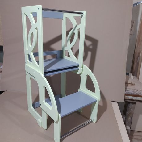 Стул-стол, башня Монтессори для маленьких помощников.