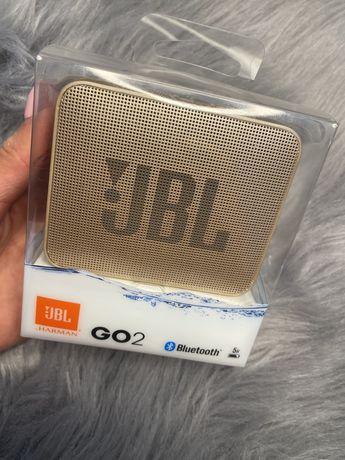 Glosnik zloty JBL go2