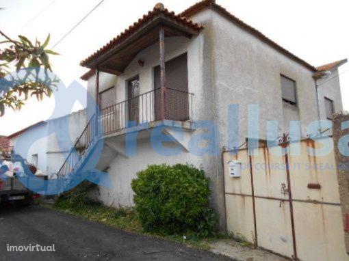 Moradia T4 c/Logradouro em Anadia, Aveiro, Excelentes condições de fin