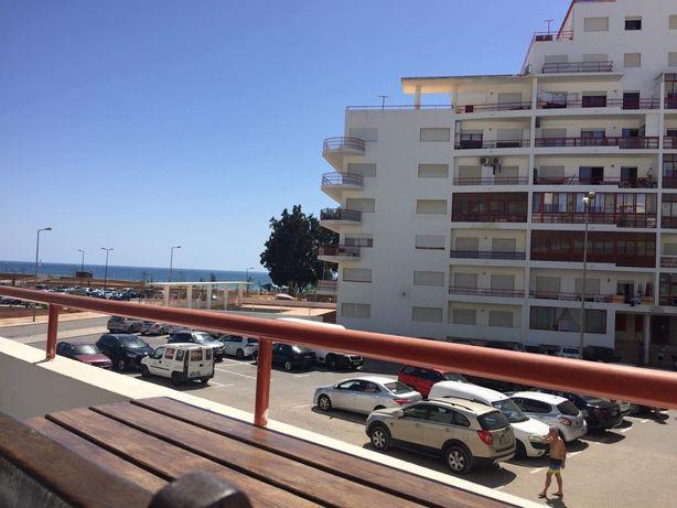Disponível de 7 a 14 Agosto T2 a 50 metros da Praia em Quarteira
