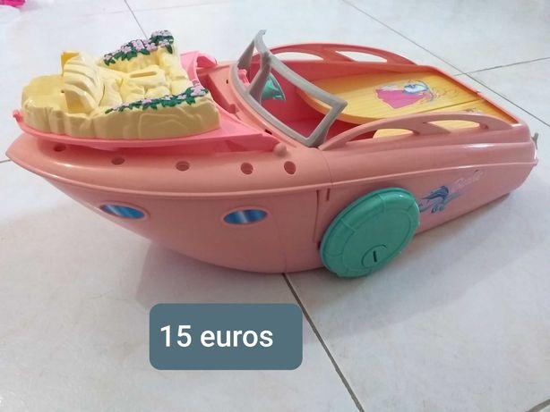 BARBIE - barco usado