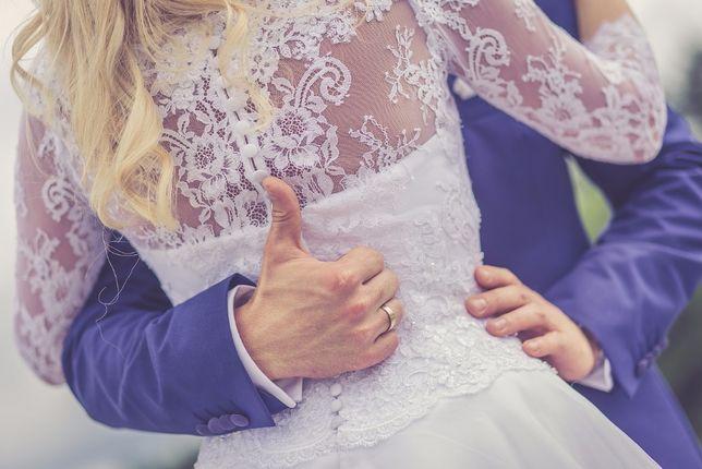 piękna suknia ślubna, stan bdb