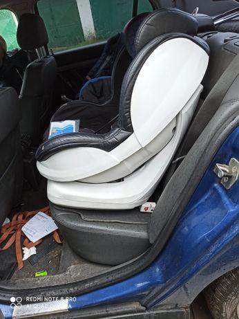 Fotelik samochodowy Caretero Defender 9-18kg