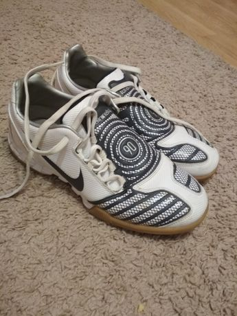 Buty halowe Nike 90
