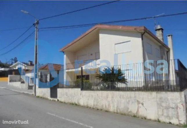 Moradia T5 em Mozelos, Santa Maria da Feira, Aveiro, Excelentes condiç
