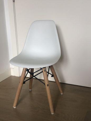 Cadeira Charles Eames Criança