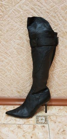 Женские сапоги батфорты чёрного цвета