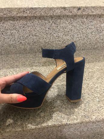 Sandálias novas zillian azuis