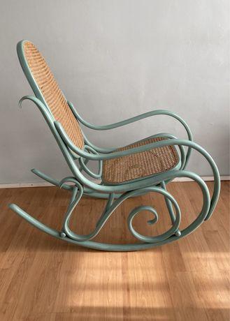 Fotel bujany w kolorze miętowym / patyna