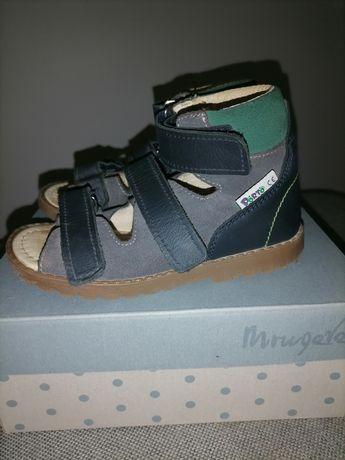Sprzedam obuwie profilaktyczno korekcyjne sandały Porto Mrugała r. 26