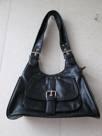 Черная женская сумочка из кожзама