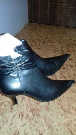 Демисезонные ботиночки  из натуральной кожи на изящную ножку-36размер