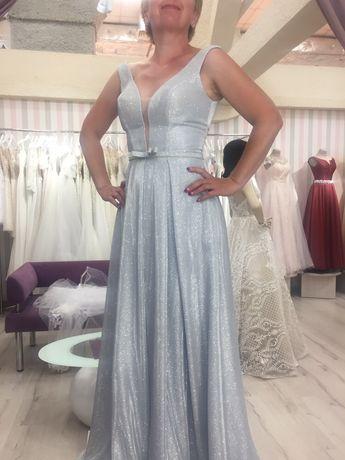 Вечернее платье серебро