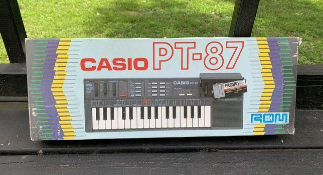 Vintage Casio PT-87 32-Key Electronic Keyboard ROM RO-551 Original Box