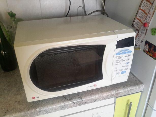 Продам СВЧ-микроволновую печь LG модель MS-2343C
