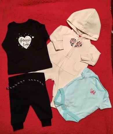 Набор одежды на новорожденного. Одежда для детей