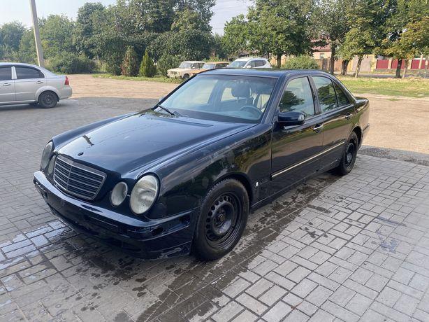 Продам Mercedes w210 E270 elegance