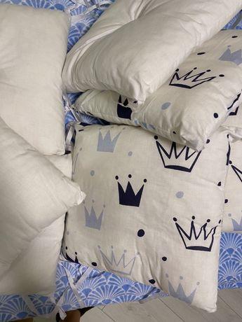 Набор подушок в кроватку