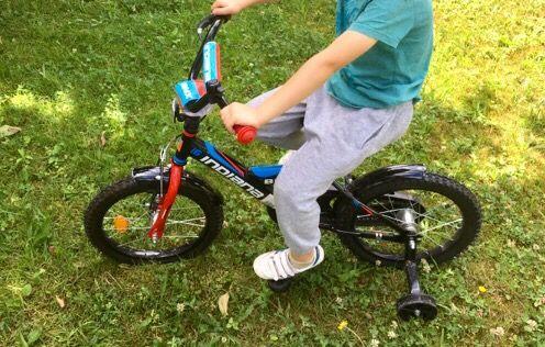 rower w bdb stanie koła 16 cali czarno czerwony