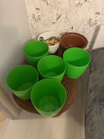 Продам горшки пластиковые для цветов