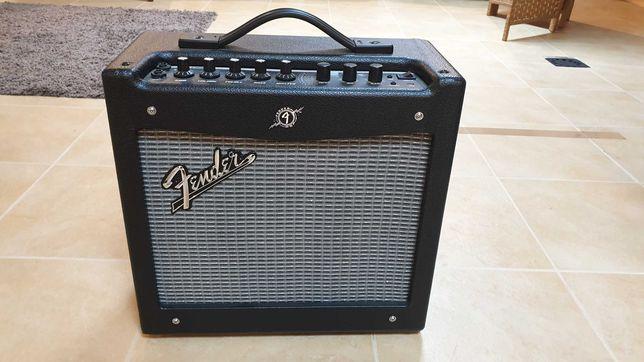Amplificador Guitarra Fender Mustang I V2 Combo - EXCELENTE ESTADO