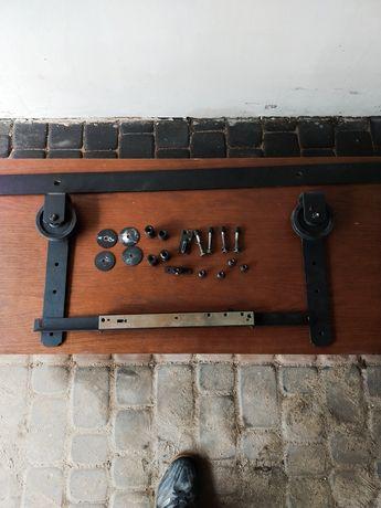 Drzwi drewniane z systemem przesuwnym
