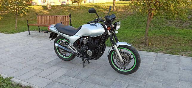 Продам мотоцыкл YAMAHA XJ 600. Хозяин по тех.паспорту.